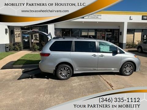 2020 Toyota Sienna for sale in Houston, TX