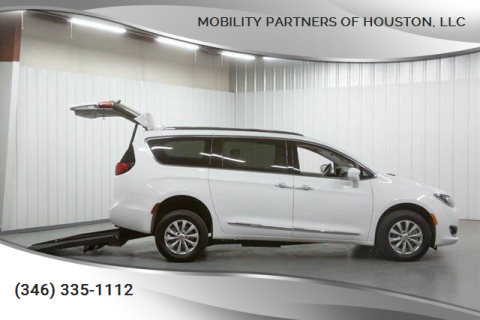 2019 Chrysler Pacifica Touring L for sale at Mobility Partners of Houston, LLC in Houston TX