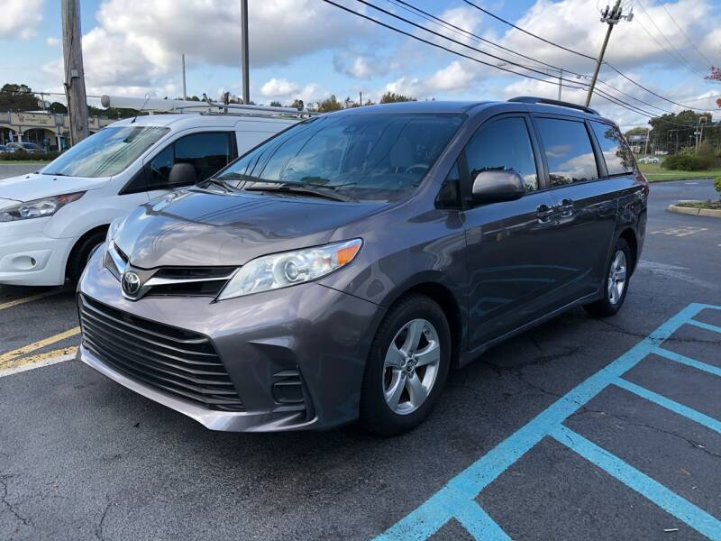 2018 Toyota Sienna for sale at iCar Auto Sales in Howell NJ
