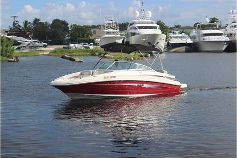 2010 Sea Ray 220 Sundeck for sale in Miami, FL