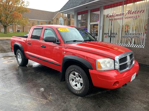 2006 Dodge Dakota for sale at KUHLMAN MOTORS in Maquoketa IA