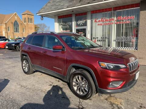 2019 Jeep Cherokee for sale at KUHLMAN MOTORS in Maquoketa IA