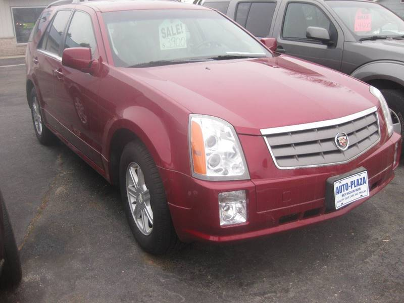 2004 Cadillac SRX for sale at AUTO PLAZA in Seymour WI