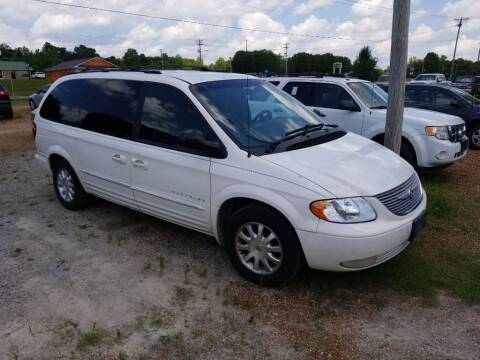 2001 Chrysler Town and Country LXi for sale at Scarletts Cars in Camden TN