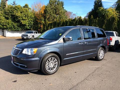 2014 Chrysler Town and Country for sale in Milwaukie, OR