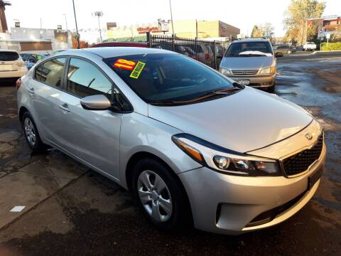 2018 Kia Forte for sale at Sanaa Auto Sales LLC in Denver CO