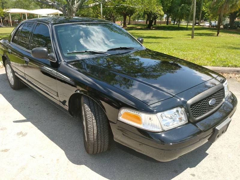 2009 Ford Crown Victoria for sale at DYL Auto Sales in Hollywood FL