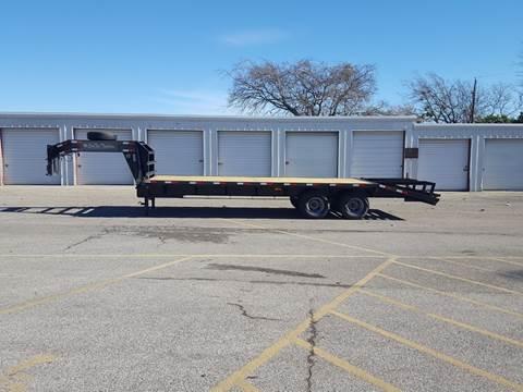 2018 CEN TEX Gooseneck Flatbed for sale in Belton, TX