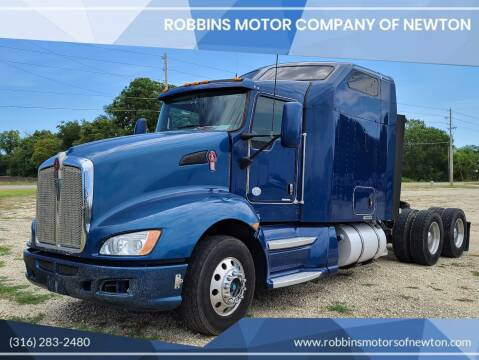 2013 Kenworth T660 for sale at Robbins Motor Company of Newton in Newton KS
