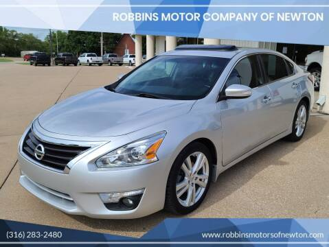 2014 Nissan Altima for sale at Robbins Motor Company of Newton in Newton KS