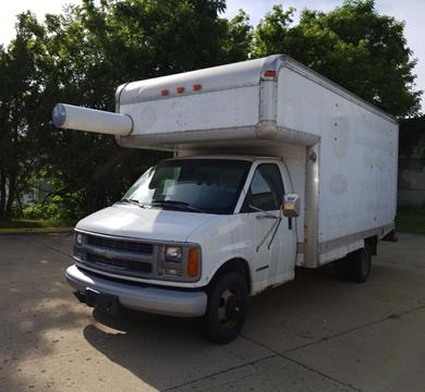 2002 Chevrolet Express Cutaway for sale in Rockford, IL