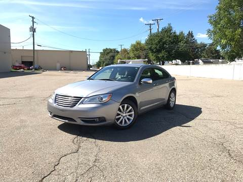2013 Chrysler 200 for sale in Sterling Heights, MI