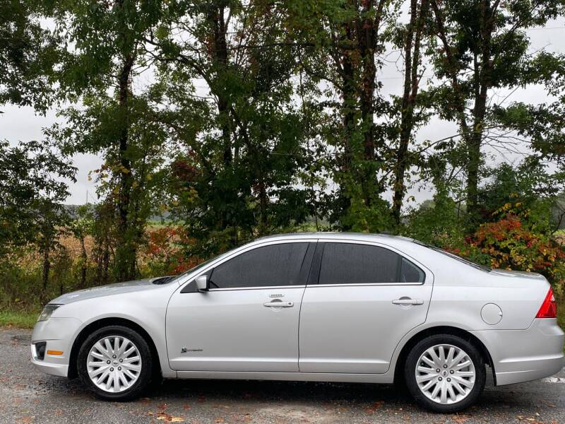 2010 Ford Fusion Hybrid for sale at RAYBURN MOTORS in Murray KY