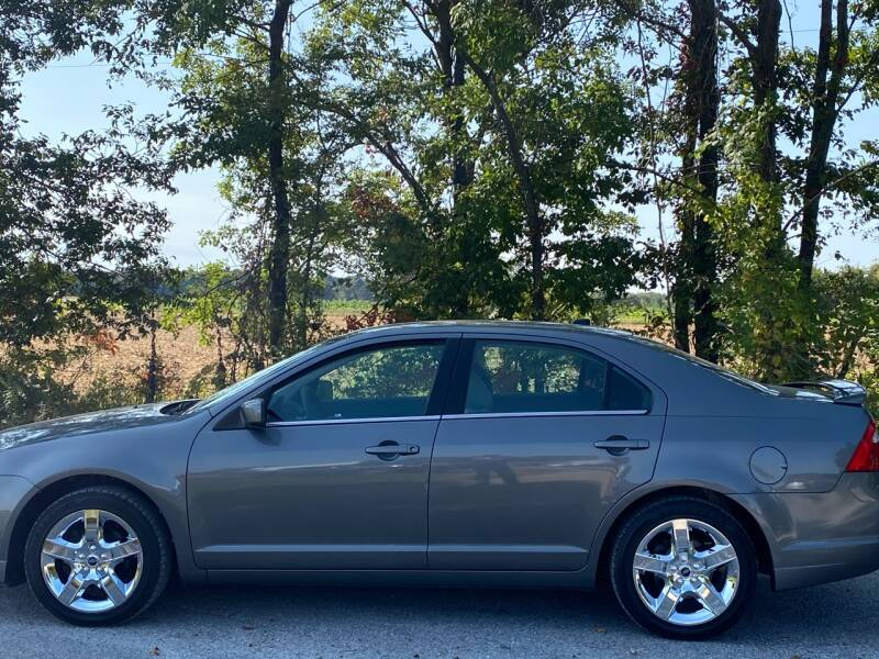 2010 Ford Fusion for sale at RAYBURN MOTORS in Murray KY