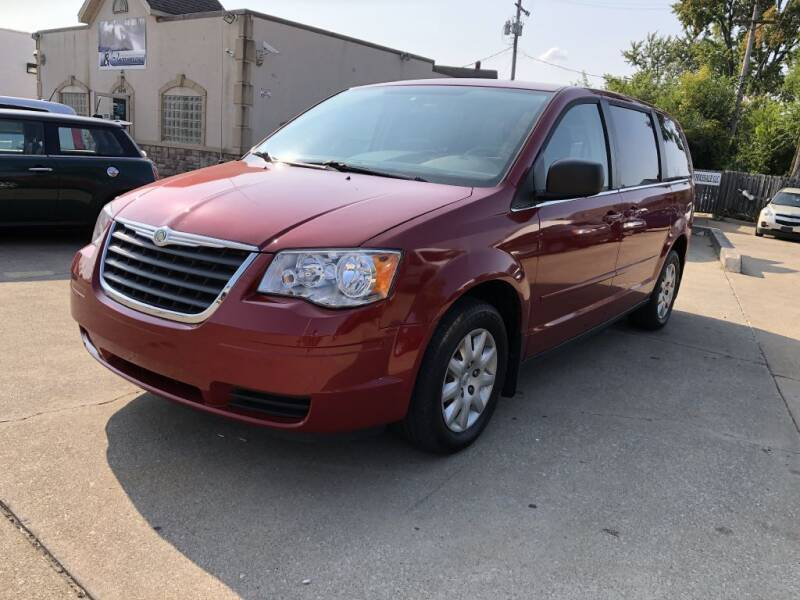2009 Chrysler Town and Country for sale at AAA Auto Wholesale in Parma OH