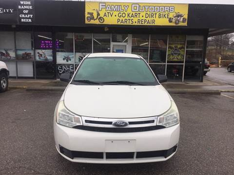 2010 Ford Focus SE for sale at Family Outdoors LLC in Kansas City MO
