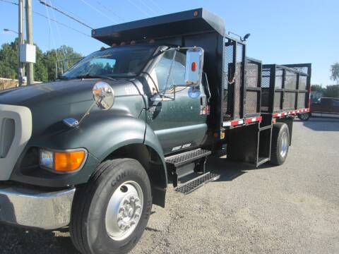 2004 Ford F-750 Super Duty