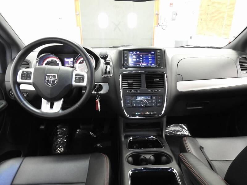 2019 Dodge Grand Caravan GT (image 15)