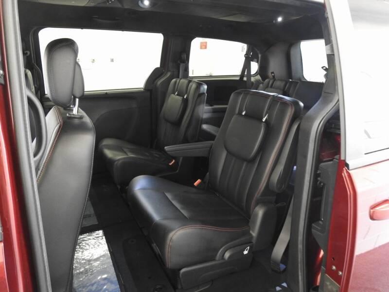 2019 Dodge Grand Caravan GT (image 12)