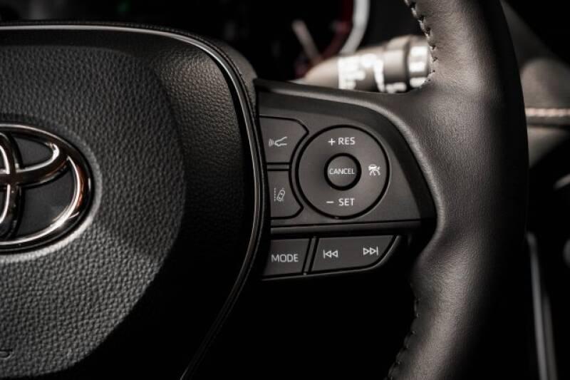 2020 Toyota RAV4 Limited (image 28)