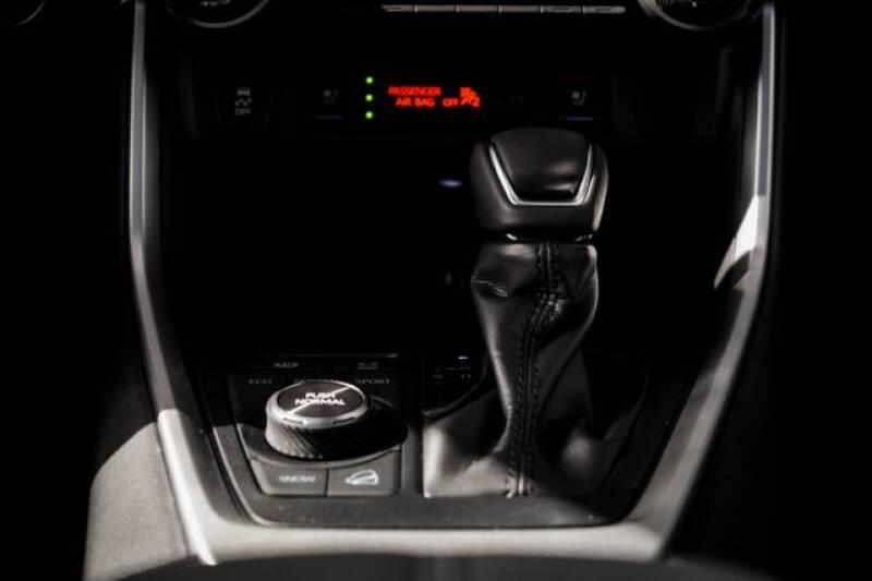 2020 Toyota RAV4 Limited (image 14)