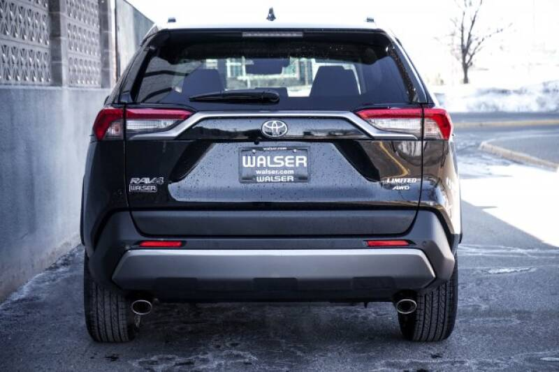 2020 Toyota RAV4 Limited (image 4)