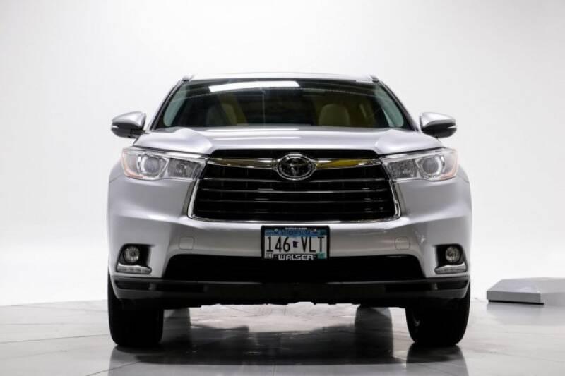2016 Toyota Highlander Limited Platinum (image 2)
