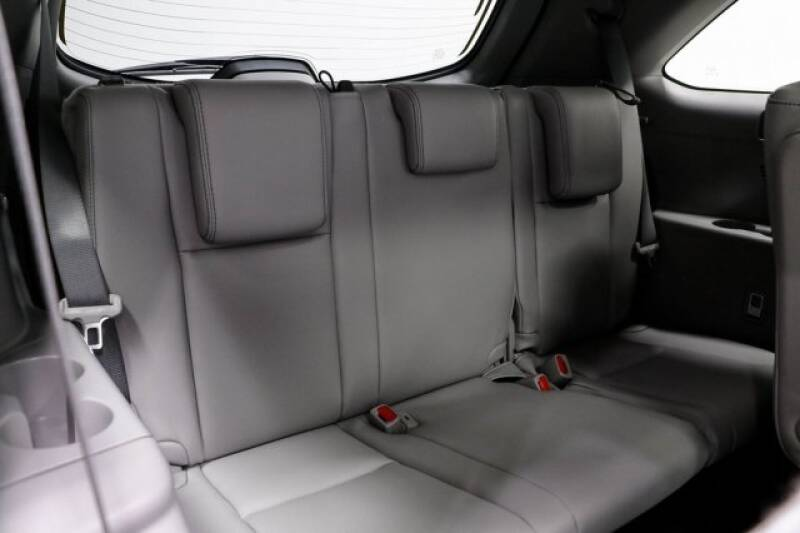 2016 Toyota Highlander Limited Platinum (image 16)