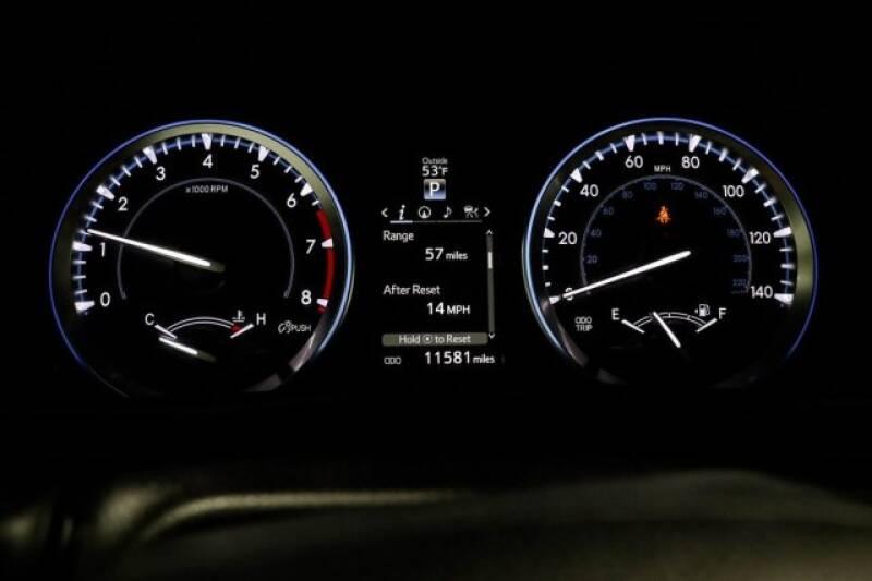 2016 Toyota Highlander Limited Platinum (image 30)
