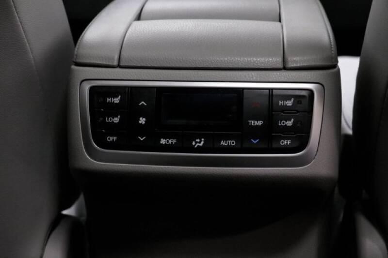 2016 Toyota Highlander Limited Platinum (image 21)