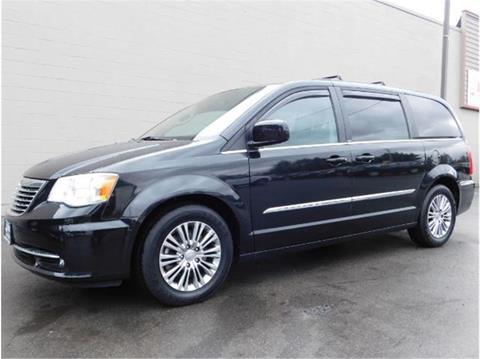 2013 Chrysler Town and Country for sale in Everett, WA