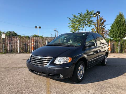 2007 Chrysler Town and Country for sale in Cleveland, OH