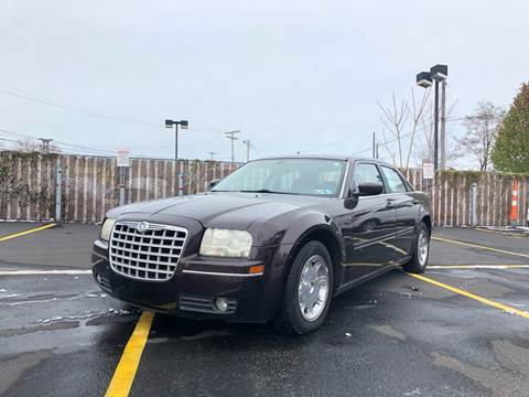 2005 Chrysler 300 for sale in Cleveland, OH