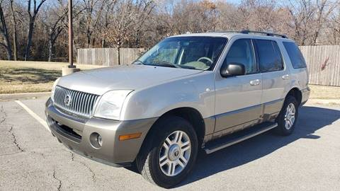 2004 Mercury Mountaineer for sale at Nationwide Auto in Merriam KS
