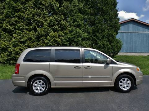 2009 Chrysler Town and Country Touring for sale at CARS II in Brookfield OH