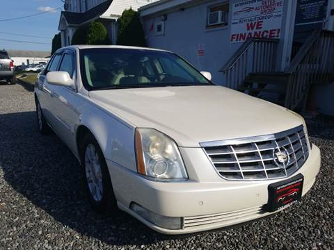 2008 Cadillac DTS Luxury I for sale at Reyes Automotive Group in Lakewood NJ
