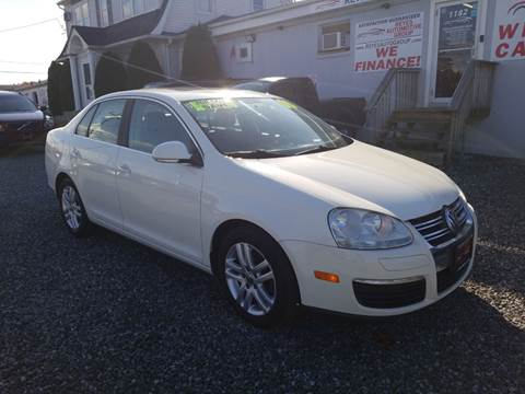 2008 Volkswagen Jetta SE PZEV for sale at Reyes Automotive Group in Lakewood NJ