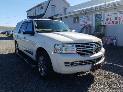 2008 Lincoln Navigator for sale at Reyes Automotive Group in Lakewood NJ