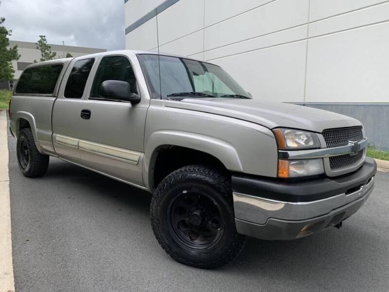 2004 Chevrolet Silverado 1500 for sale at PM Auto Group LLC in Chantilly VA