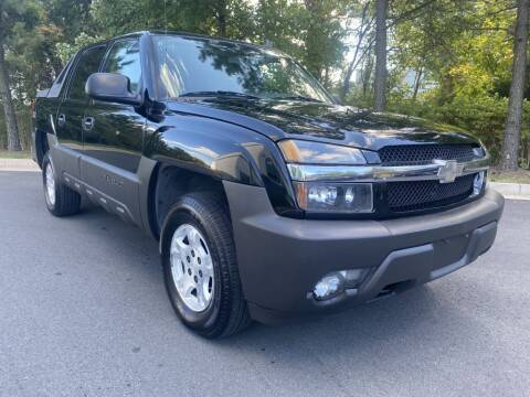 2006 Chevrolet Avalanche for sale at PM Auto Group LLC in Chantilly VA