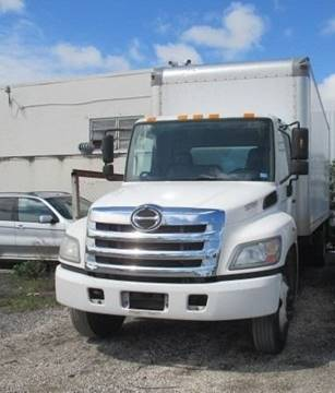2013 Hino 268 for sale in Opa Locka, FL