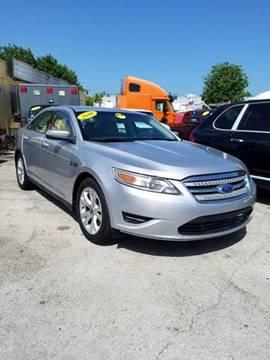 2010 Ford Taurus for sale in Miami, FL