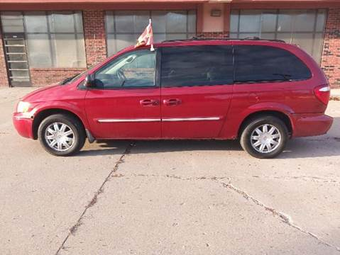 used 2006 chrysler town and country for sale in michigan. Black Bedroom Furniture Sets. Home Design Ideas