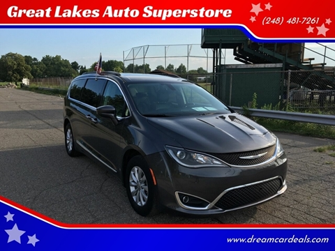 2017 Chrysler Pacifica for sale at Great Lakes Auto Superstore in Pontiac MI