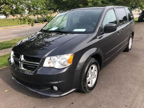 2012 Dodge Grand Caravan for sale at Auto Hub in Grandview MO