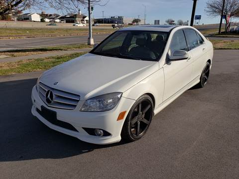 2009 Mercedes-Benz C-Class for sale at Auto Hub in Grandview MO