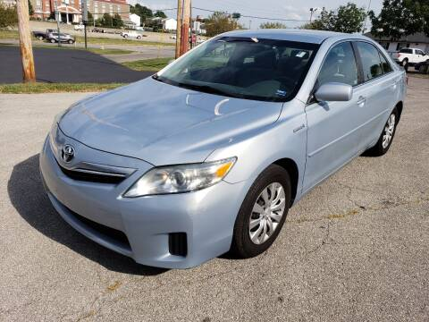 2011 Toyota Camry Hybrid for sale at Auto Hub in Grandview MO