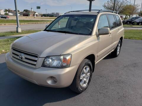 2005 Toyota Highlander for sale at Auto Hub in Grandview MO