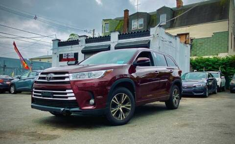 2017 Toyota Highlander for sale at Buy Here Pay Here Auto Sales in Newark NJ