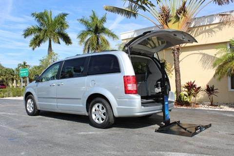 2009 Chrysler Town and Country for sale in Fort Myers, FL